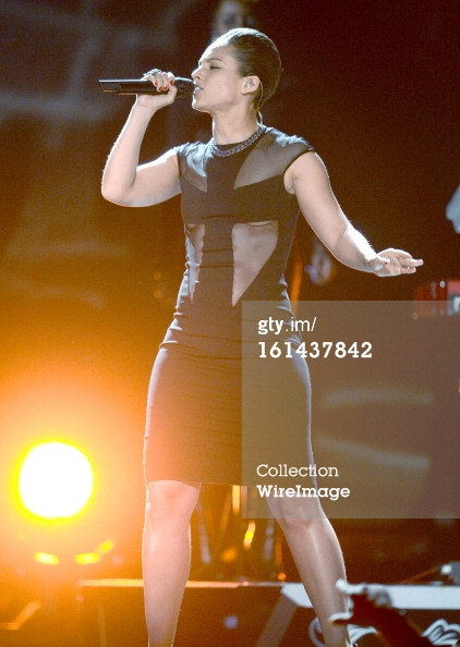 Alicia Keys - performance - Grammys 2013