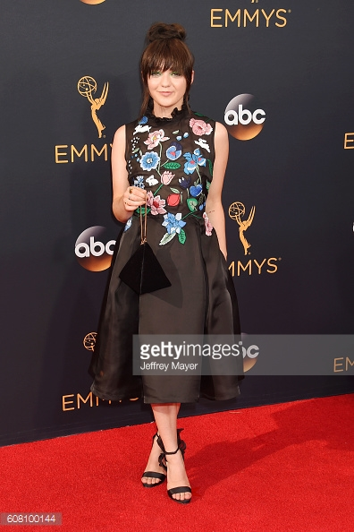 emmys 2016 maisie williams.jpg
