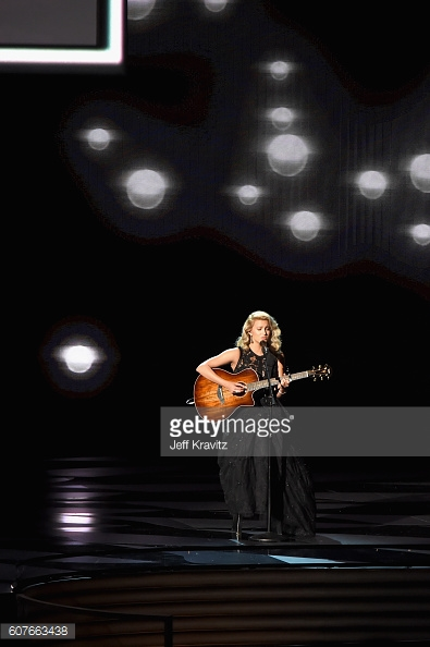 emmys 2016 tori kelly performance.jpg