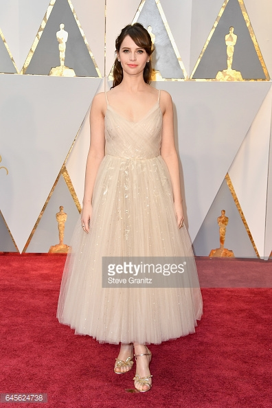 oscars 17 felicity jones.jpg