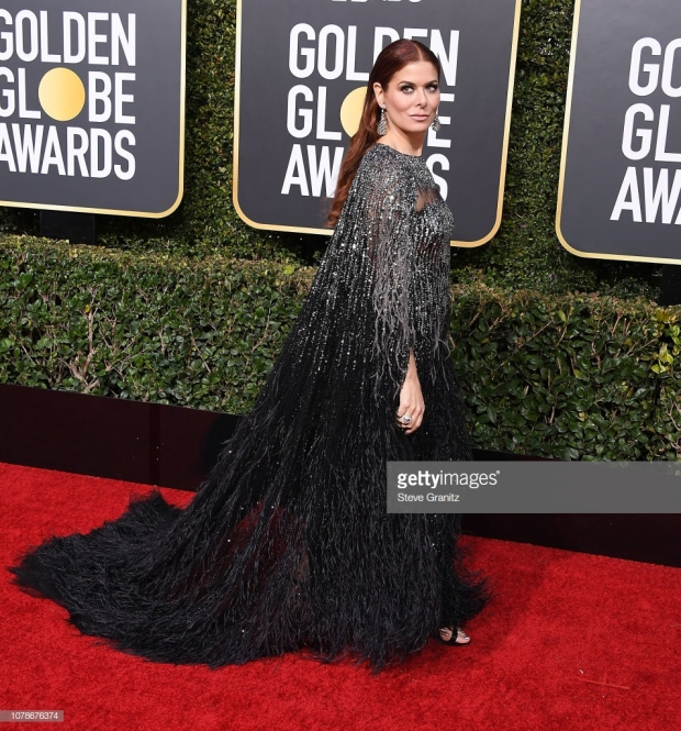 gg 19 debra messing.jpg